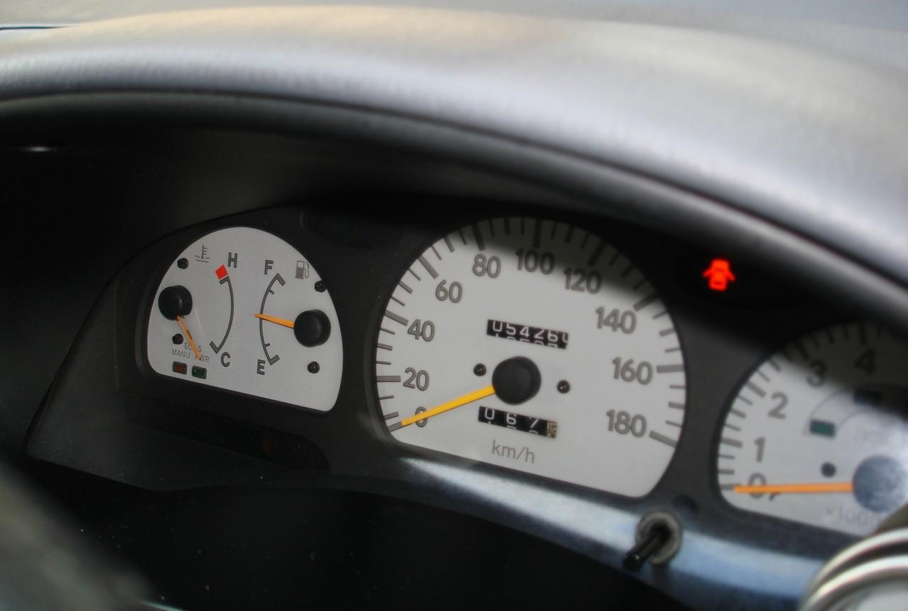 Asystent jazdy nocnej – bezpieczna jazda po zmroku