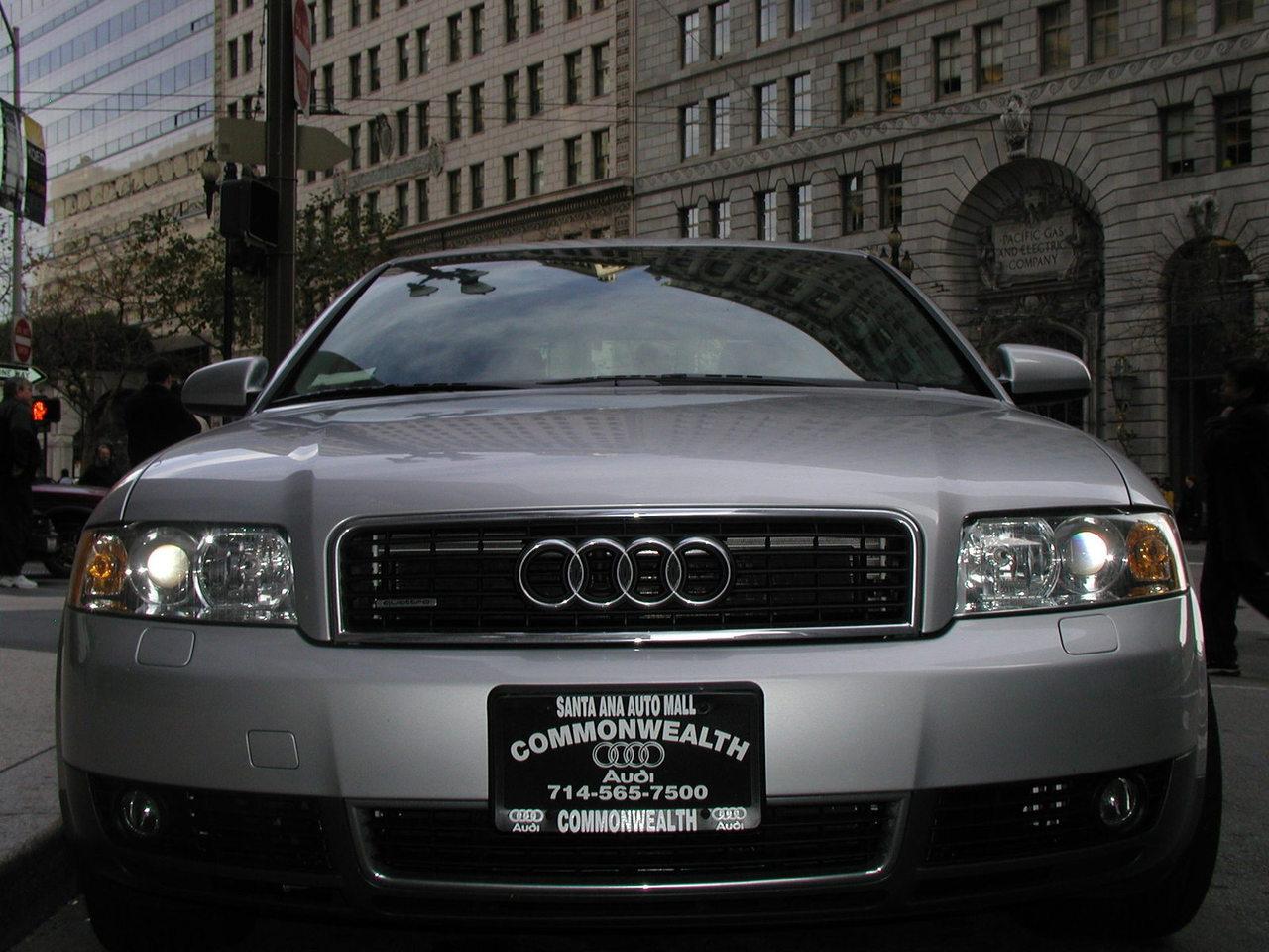 Audi i pierwsza partia nowoczesnej e-benzyny