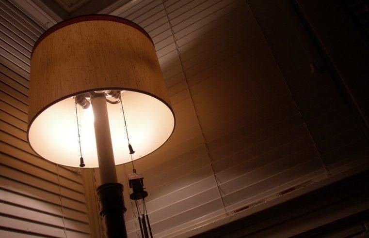 Lampka używana przy karmieniu noworodka – czyli co dobrze się sprawdzi?